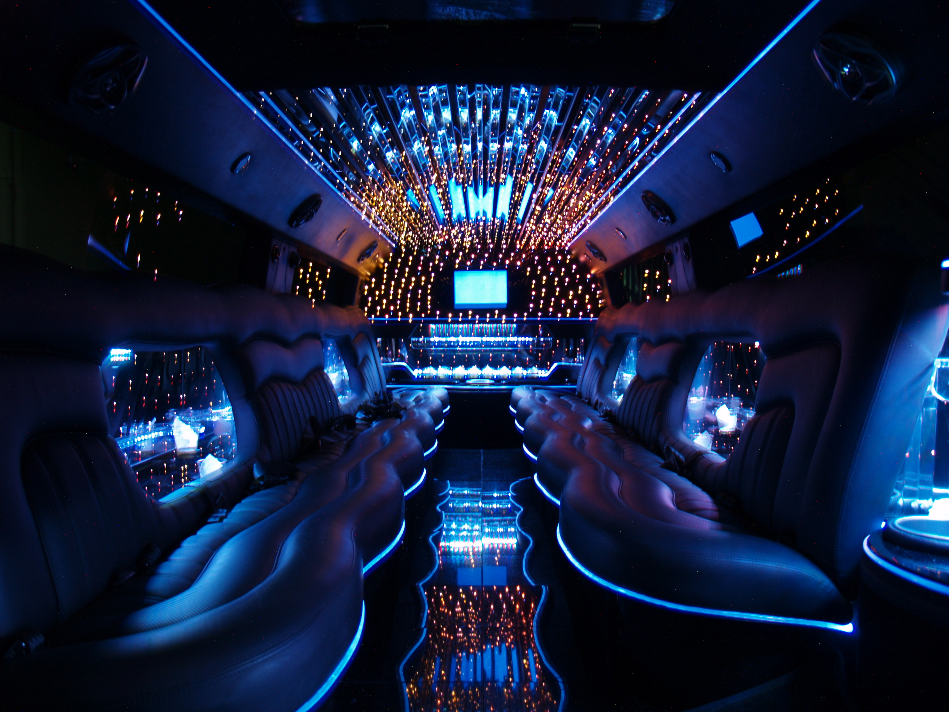 Hummer limo service Los Angeles